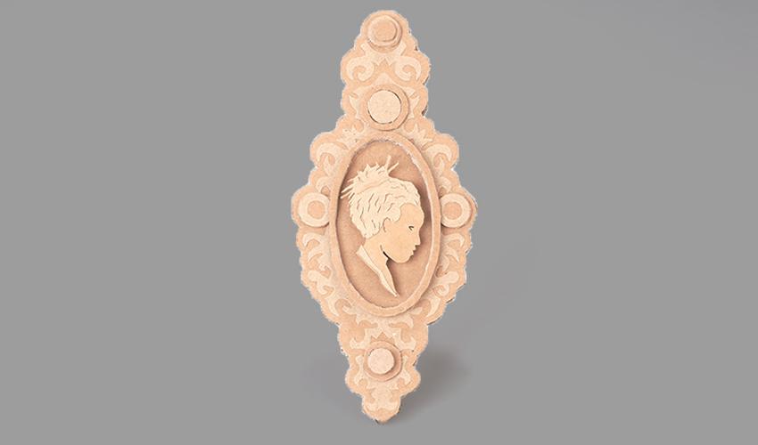 """תכשיט של יעל פרידמן בתערוכה של ויצו (צילום: יח""""צ)"""