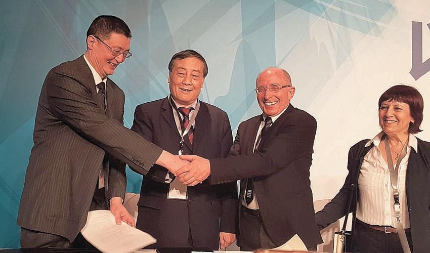 חתימת ההסכם בין אוניברסיטת חיפה לאקדמיה הסינית למדעים (צילום: צמרת זוהר)