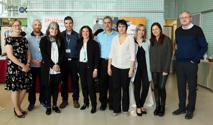 צוות המערך ההמטו-אונקולוגי בבית החולים רות רפפורט ועמיתיהם מטורונטו (צילום: פיוטר פליטר)