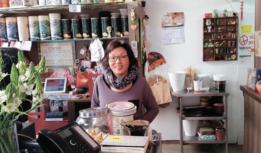 מסעדת יאן יאן עם המנהלת סי (צילום: שי אילן)