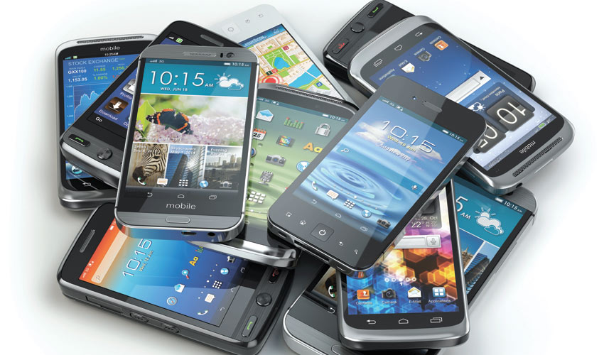 ערמת סמארטפונים (צילום: א.ס.א.פ קריאייטיב INGIMAGE)