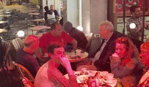 הפגישה בין יואב כץ לגל עשת ופאר שמילוביץ (צילום: דף הפייסבוק של הפועל רובי שפירא חיפה)
