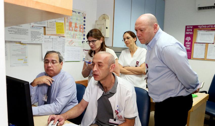 """בקרי ארגון JCI במבדקים בקריה הרפואית רמב""""ם (צילום: פיוטר פליטר)"""