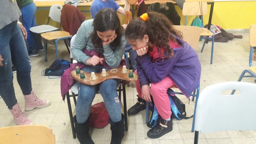 ילדי התוכנית בסדנת מתמטיקה (צילום: אגף החינוך בעיריית חיפה)