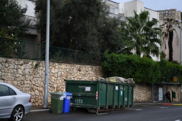 פחי אשפה (צילום: ראובן כהן)