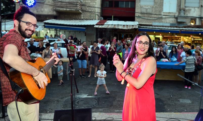 פעילות ערב בשוק תלפיות (צילום: דוברות עיריית חיפה)
