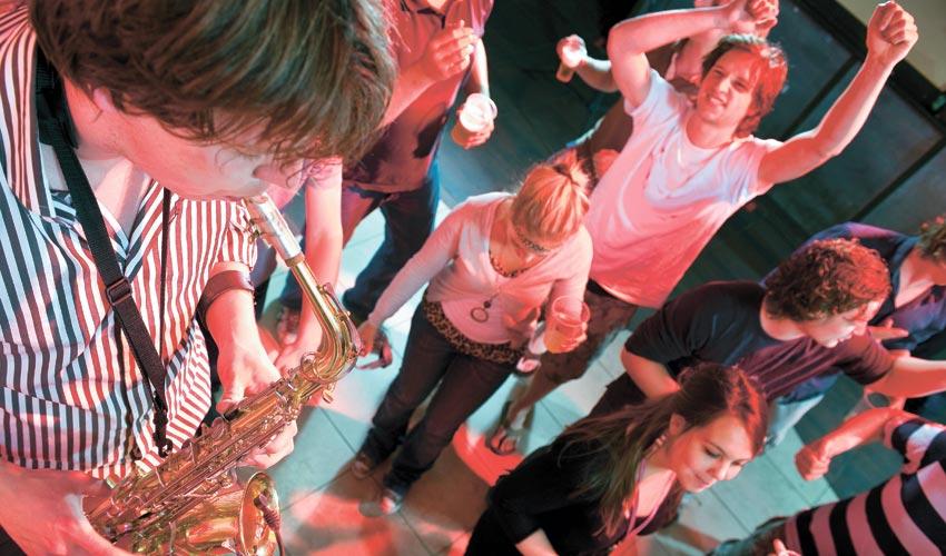 מסיבת ריקודים (צילום: א.ס.א.פ קריאייטיב INGIMAGE)