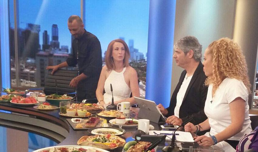 """אסי דלק וגאיה נויפלד בתוכנית הבוקר של אורלי וגיא. """"לא מספקים מידע על אירועים פרטיים של לקוחות שלנו"""" (צילום: שירן שטיינמן)"""