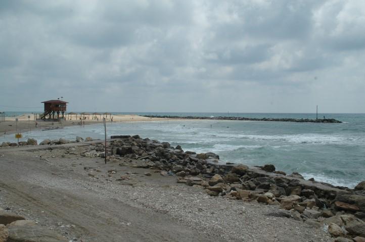 חוף הים באזור חיפה (צילום: עודד הירש)