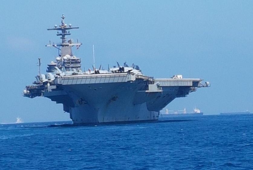 """נושאת המטוסים """"ג'ורג' וו בוש"""" (צילום: דוברות נמל חיפה)"""