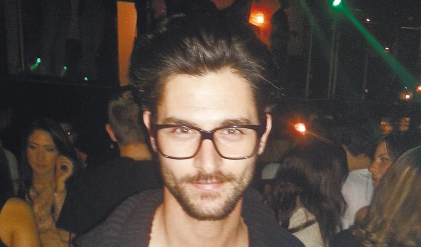 עומר גורדון. איפה הוא יקנה עכשיו את המשקפיים שלו?