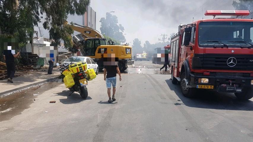"""השריפה ליד קרית אתא (צילום: דוברות מד""""א כרמל)"""
