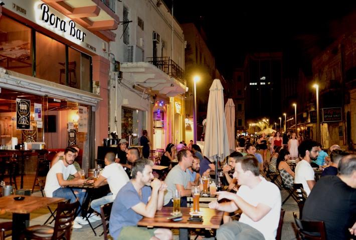 רחוב נתנזון בערב (צילום: דוברות עיריית חיפה)