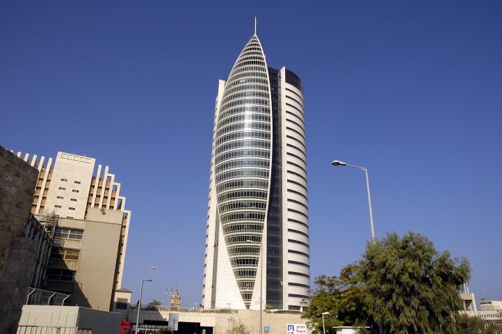 בניין משרדי הממשלה בחיפה (צילום: אסף אורן)