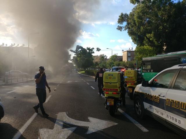 """מקום פיצוץ הרכב בקרית חיים (צילום: תיעוד מבצעי מד""""א)"""