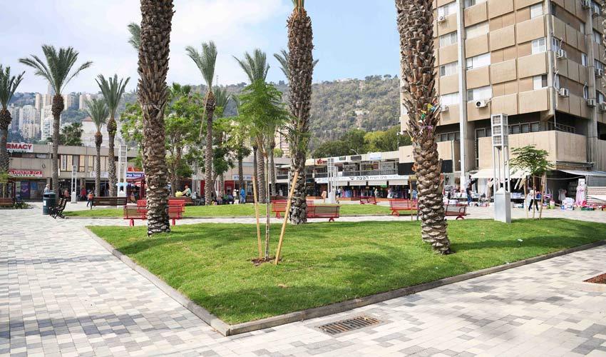 כיכר מאירהוף המחודשת (צילום: ראובן כהן)