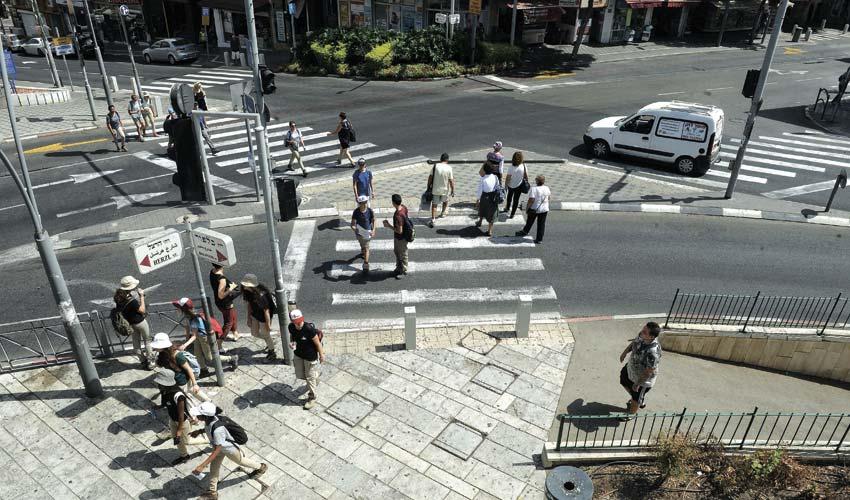 רחוב הרצל בחיפה (צילום: רמי שלוש)
