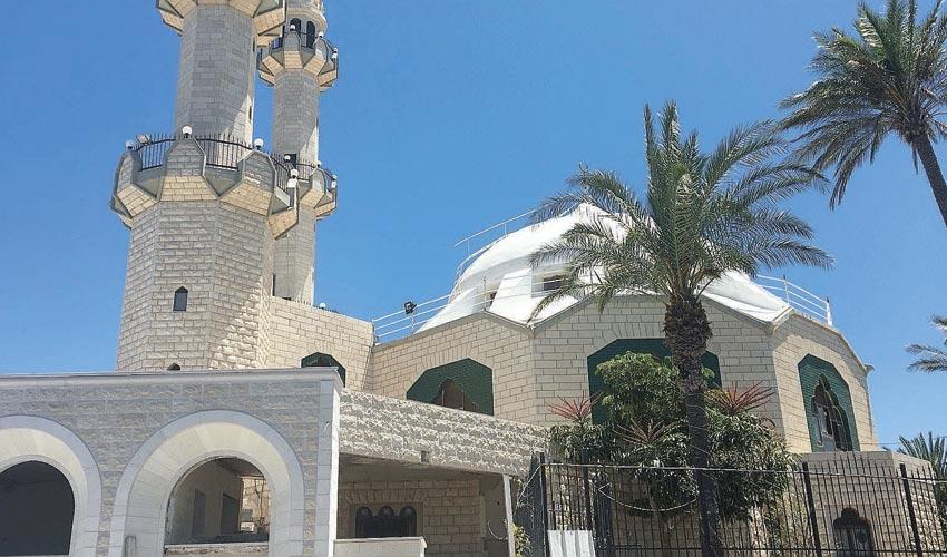 המסגד של העדה האחמדית בכבביר