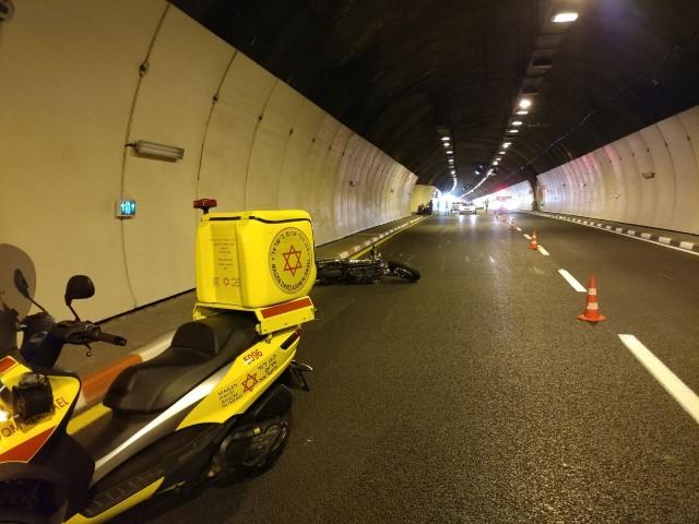 """התאונה במנהרות הכרמל (צילום: דוברות מד""""א כרמל)"""