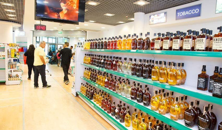 הדיוטי פרי בשדה התעופה בחיפה (צילום: רשות שדות התעופה)