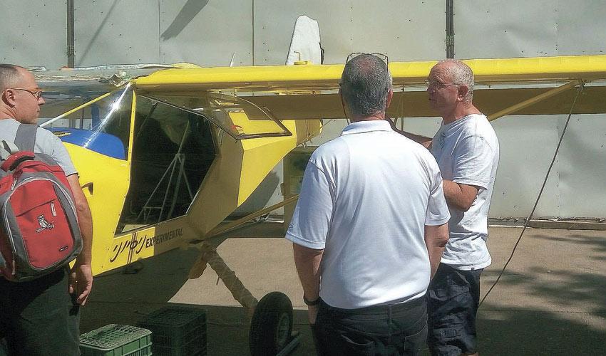 המטוס הדו מושבי שבנה אב לבוגרי הריאלי
