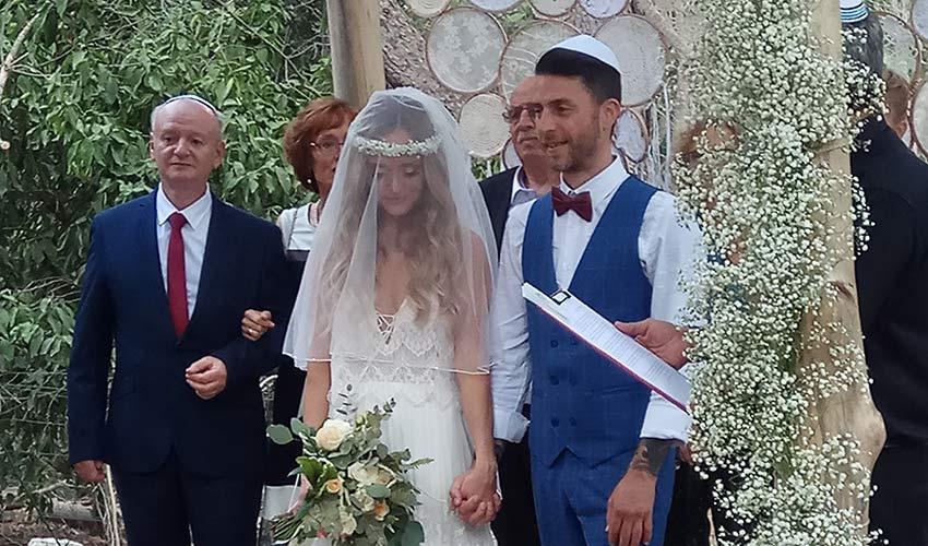 לירון הראל וסבטה אמירזיאדי. לפני שנה, מאחורי הבר בברברוסה, הוא הציע לה נישואים
