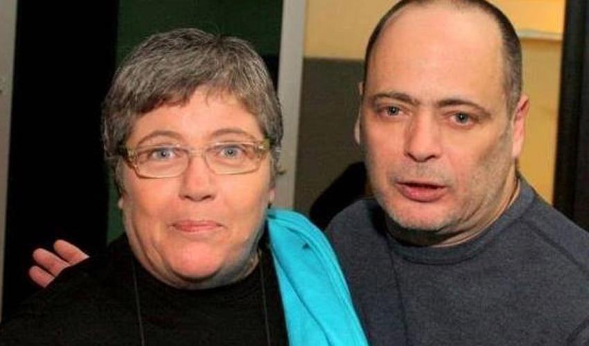 """אדם ואחותו אילנה כהן. """"שישו ושמחו במשפחת כהן"""" (צילום: עידן באומן)"""