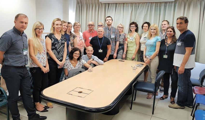 משלחת רופאים מארצות הבלקן במרכז הרפואי כרמל (צילום: אלי דדון)