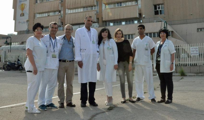 צוות מחלקת פנימית א' במרכז הרפואי כרמל (צילום: דוברות המרכז הרפואי כרמל)
