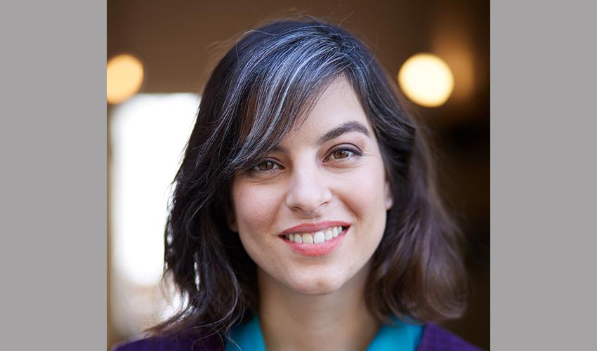 הבמאית והסופרת רוני ברודצקי (צילום: הילה שייר)