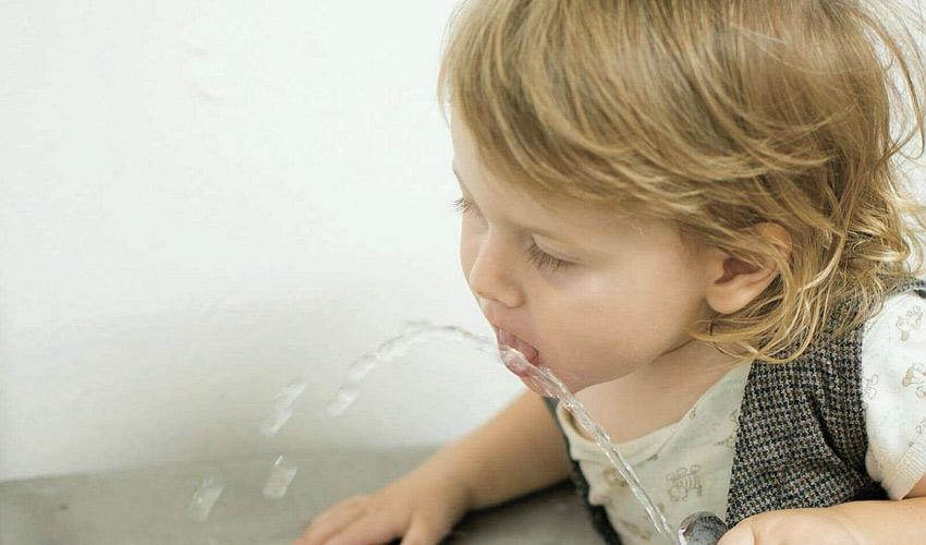 בכמה קונסים עסק שלא נותן מים לתינוק? (צילום: אלינה ליברמן)