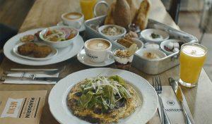 ארוחת בוקר במנדרין (צילום: מאור כהן)