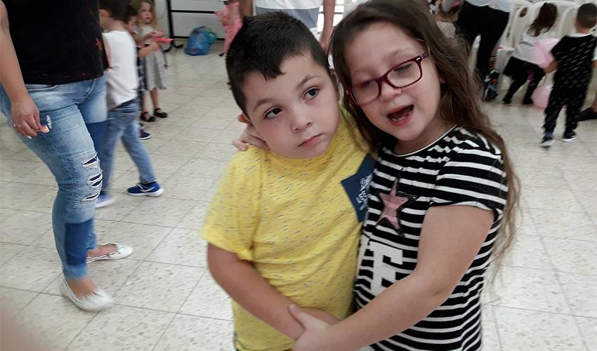 בן צסרסקי ואחותו מאיה