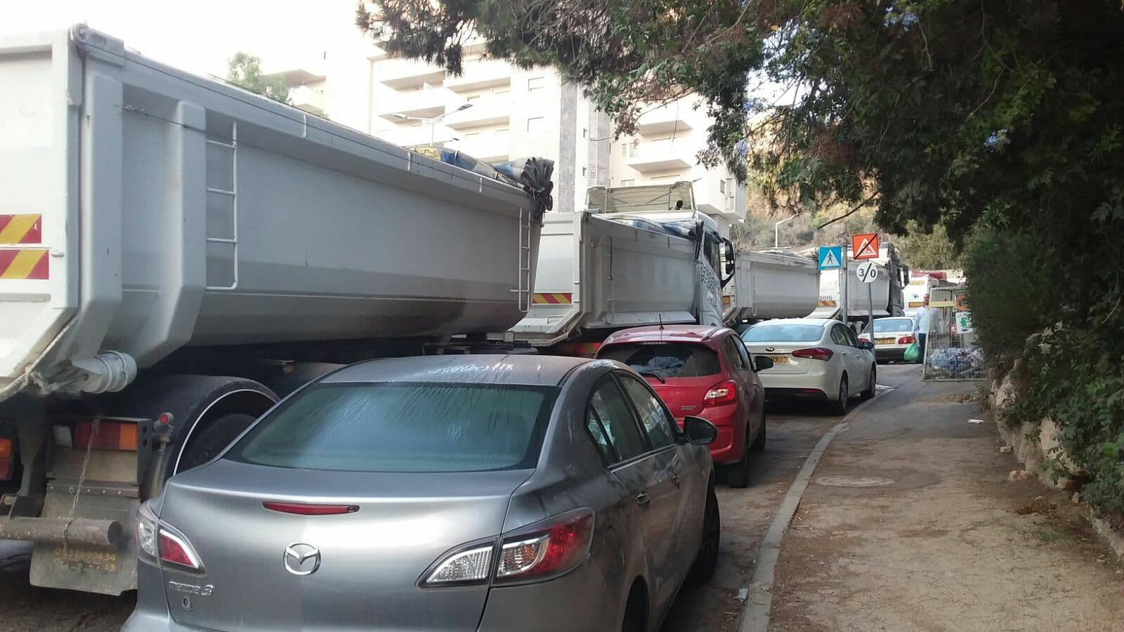 משאיות ומצוקת חניה ברחוב חביבה רייך