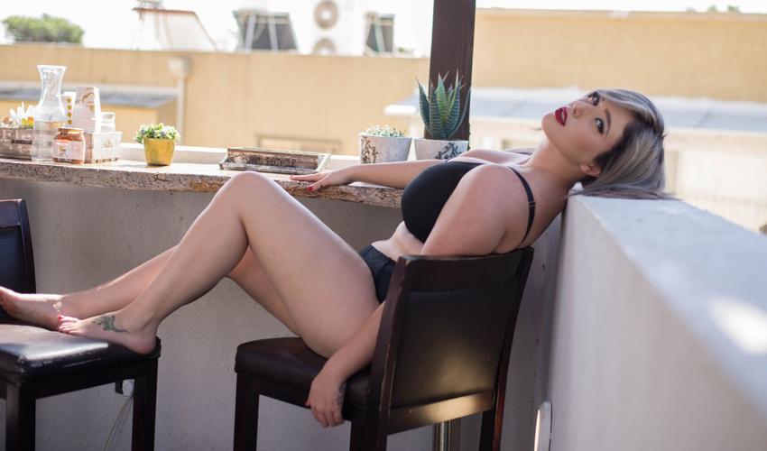 """לי זוהר. """"אני לא מרגישה פחות סקסית ונחשקת מאף דוגמנית רגילה"""" (צילום: דניס גרצקיס)"""