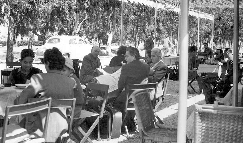 """מסעדת פינגווין בשנות ה-60. אמיר אופנהיימר: """"מהמסעדה יצאו עשרות זוגות שנישאו והקימו משפחה"""""""