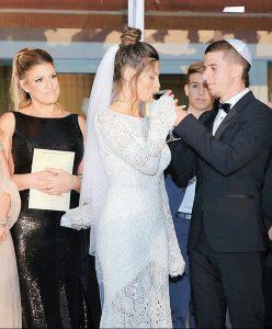 """קם בחתונתה של בתה מאי זיו עם הכדורגלן עידן ורד. """"לטענתו הבחירות שלי בחיים היו בחירות דפוקות"""" (צילום: קמליה)"""