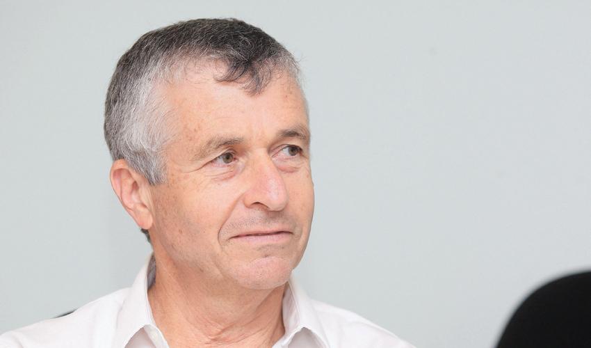 """ד""""ר יוסי בן דב (צילום: דודו בכר)"""