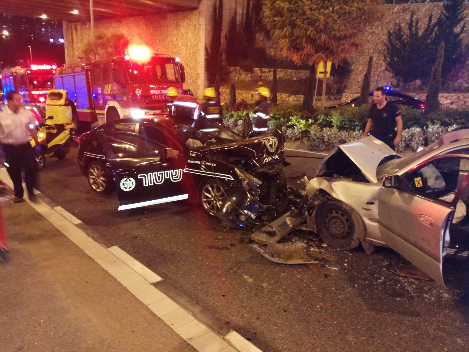 """תאונה בכביש נחל גיבורים (צילום: דוברות מד""""א כרמל)"""