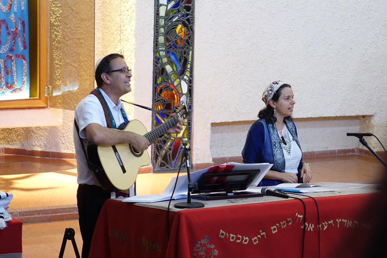 הרבה נעמה דפני קלן והרב גבי דגן (צילום: מרכז החינוך ליאו באק)