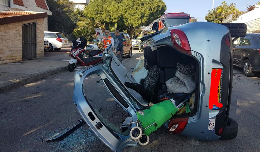 הרכב לאחר חילוץ הנהגת (צילום: דוברות איחוד הצלה כרמל)
