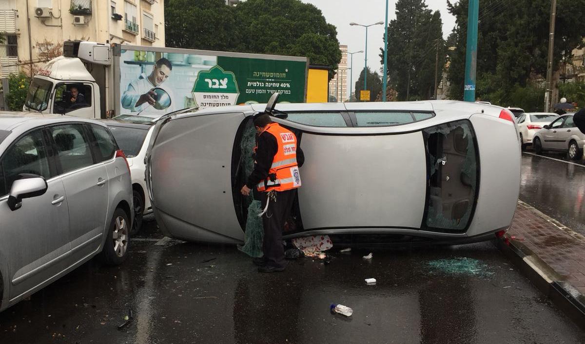 התאונה ברחוב חניתה (צילום: דוברות איחוד הצלה כרמל)