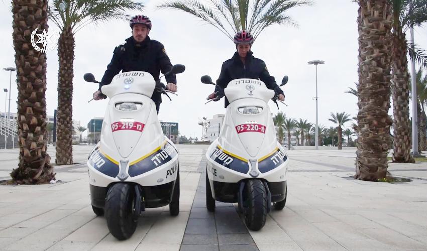 שוטרים על סאגוויי (צילום: משטרת חיפה)