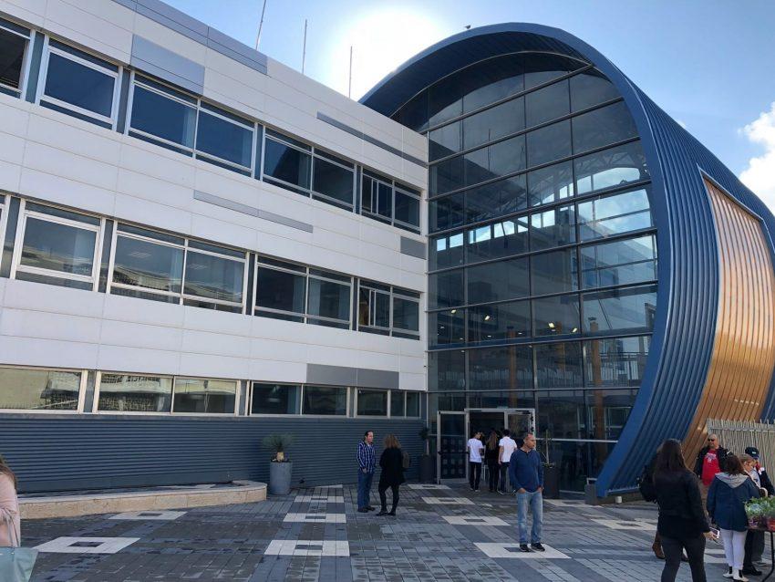 """המבנה החדש של בית הספר בסמ""""ת (צילום: ראובן כהן)"""