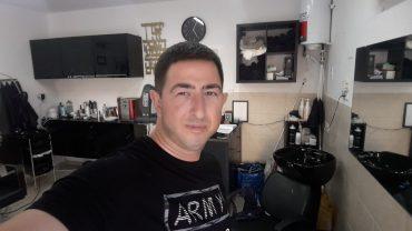 דניאל רוזן מעצב שיער. צילום עצמי