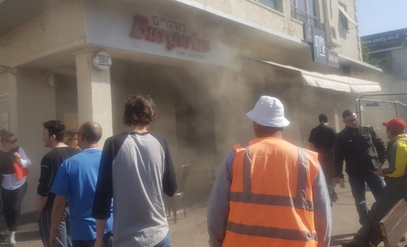 שריפה במסעדת בורגרים במרכז הכרמל