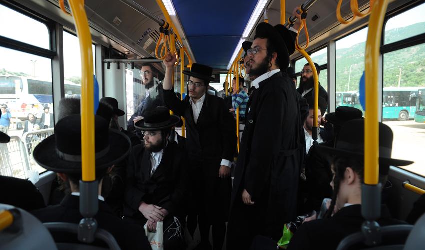 אוטובוס בדרך להילולת רבי שמעון בר יוחאי (צילום: רמי שלוש)
