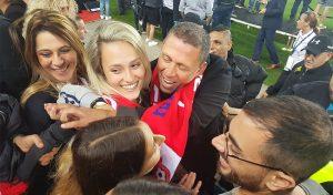 ניר קלינגר חוגג עם משפחתו לאחר הזכייה בגביע