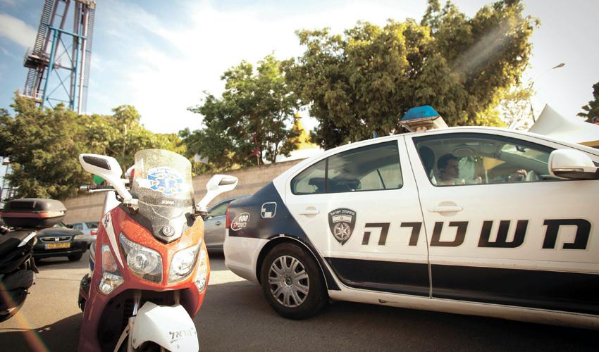 ניידת משטרה (צילום: דודו בכר)