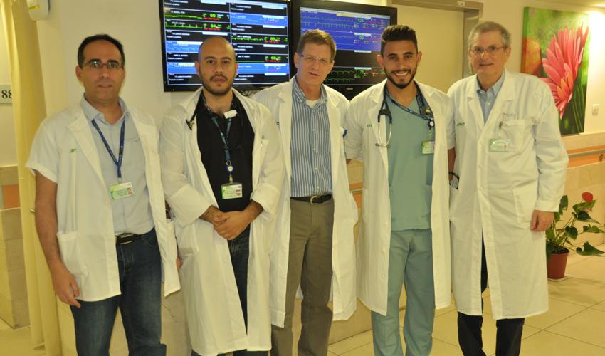 רופאי המחלקה הקרדיולוגית במרכז הרפואי כרמל שהציגו בכנס הבין לאומי (צילום: אלי דדון)